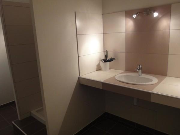 Shower room - Room 3